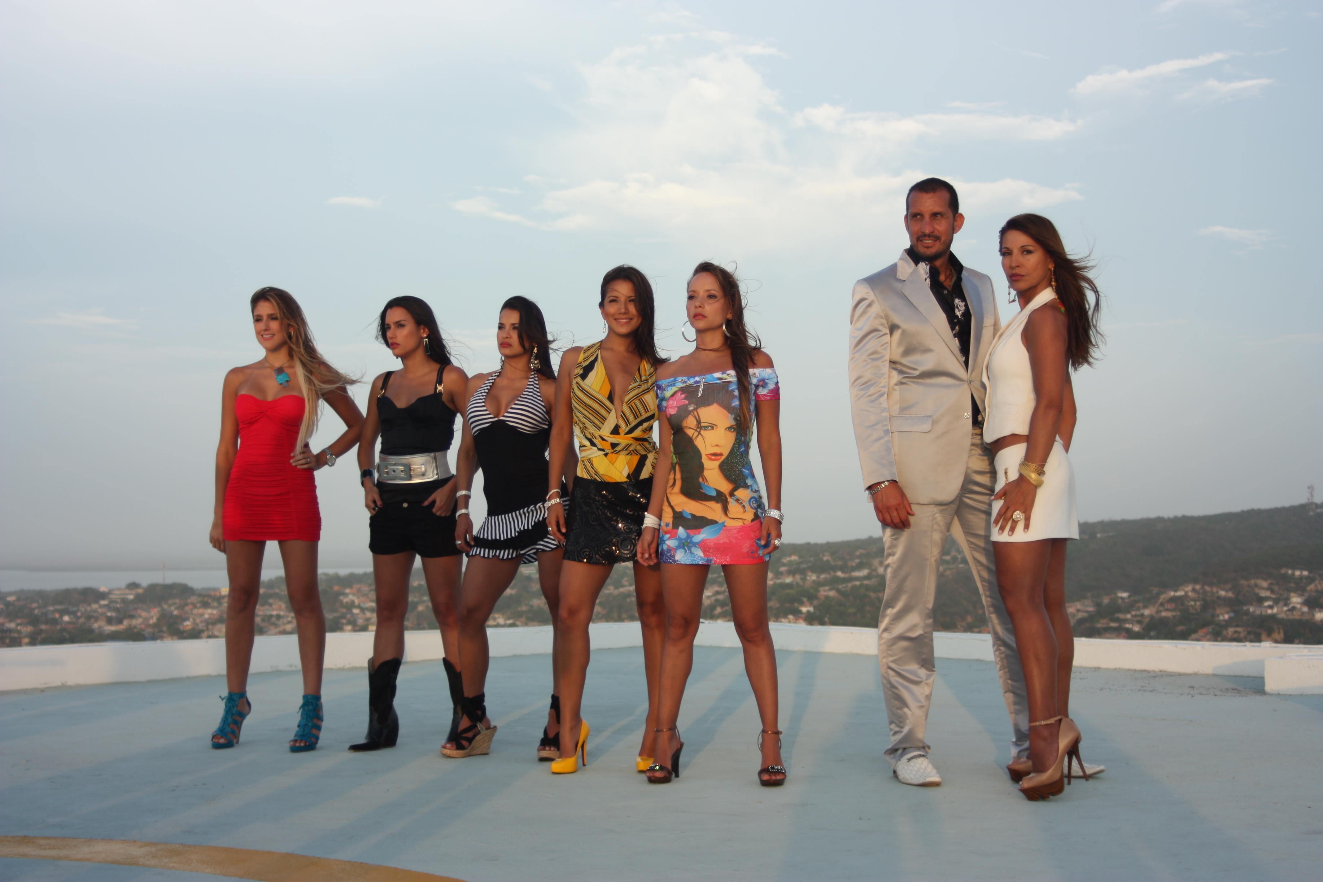 ... las 10pm la serie colombiana las muñecas de la mafia la producción