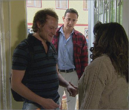 ... Sebastián Calero interpreta a Alex en su etapa adulta en Amor Sincero